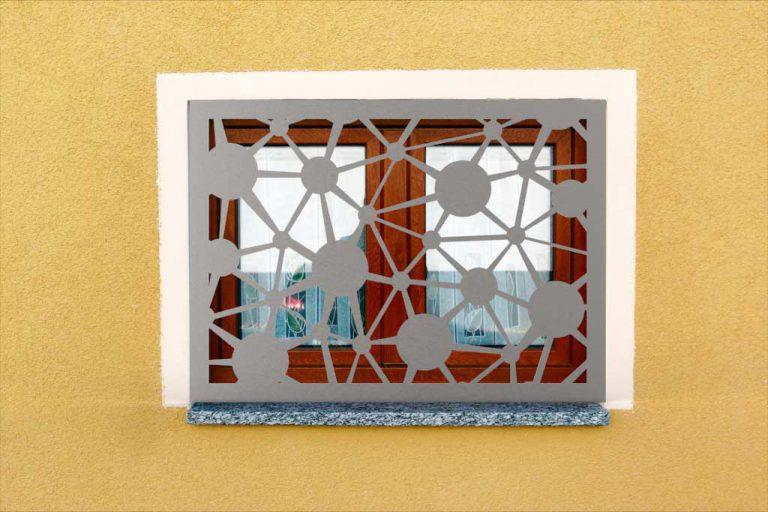 Fenstergitter aus Edelstahl modern