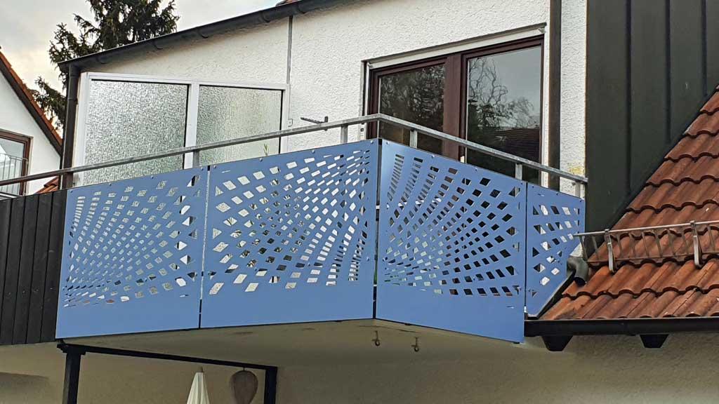 Geländerfüllung, Balkonverkleidung aus Alu